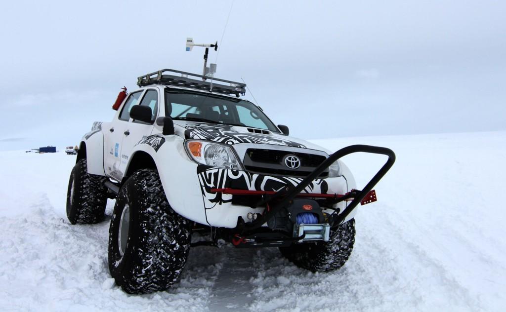 Automobily Toyota Hilux v Antarktide 2012
