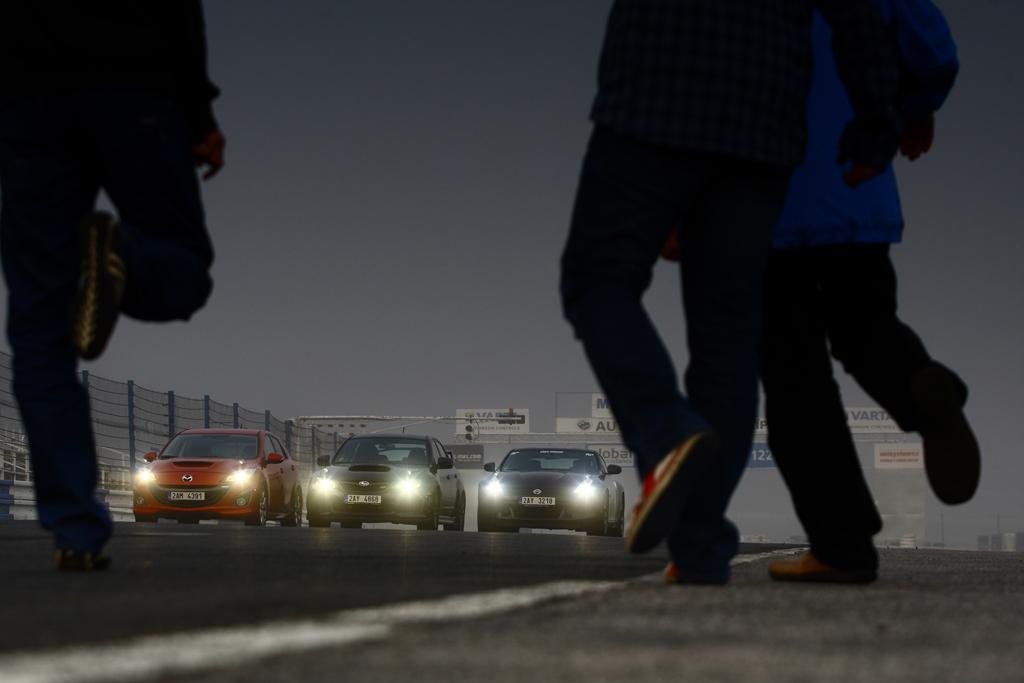 Automobily Mazda 3 MPS vs Nissan 370 Z vs Subaru WRX STI