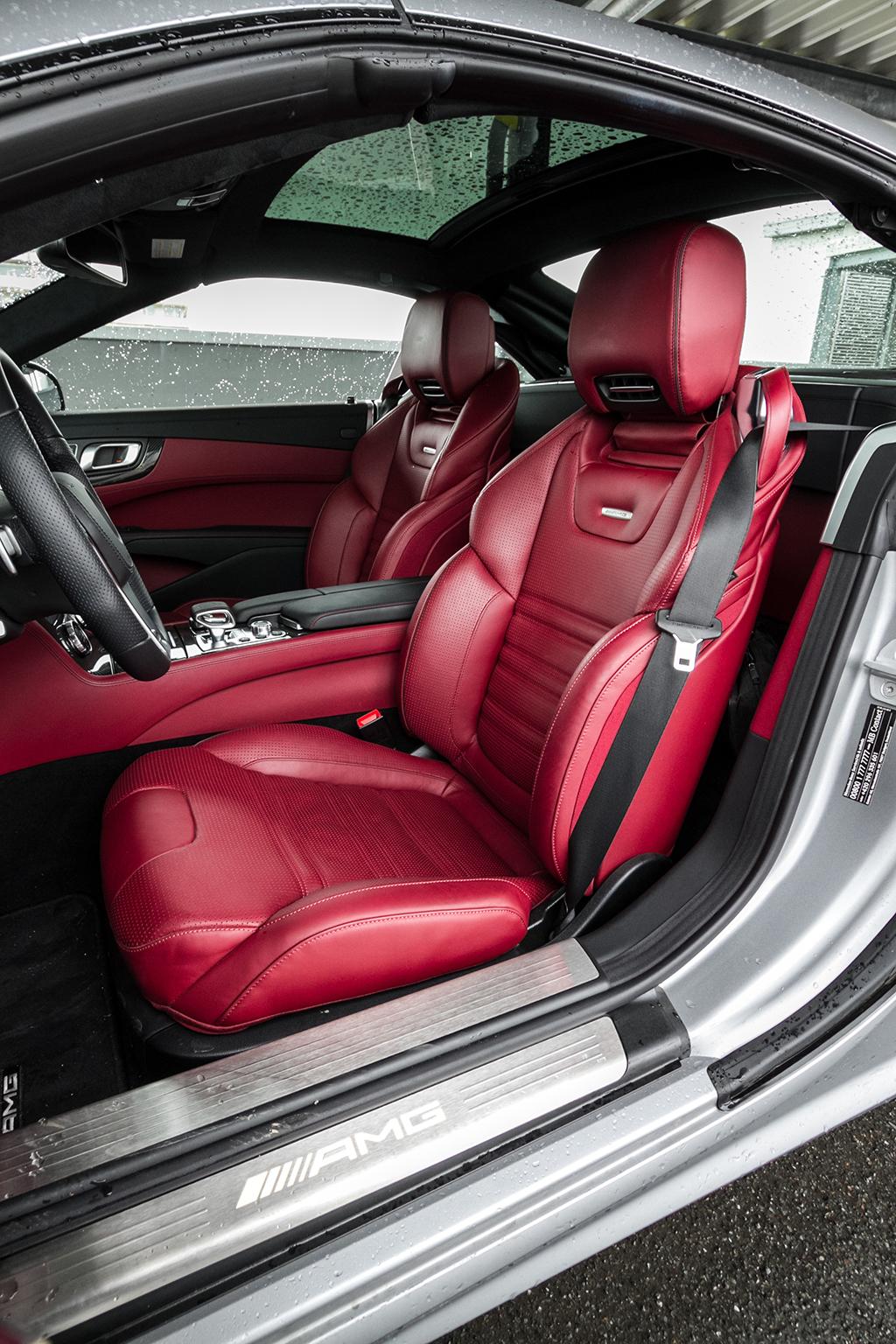 Automobily Mercedes-Benz SL 63 AMG
