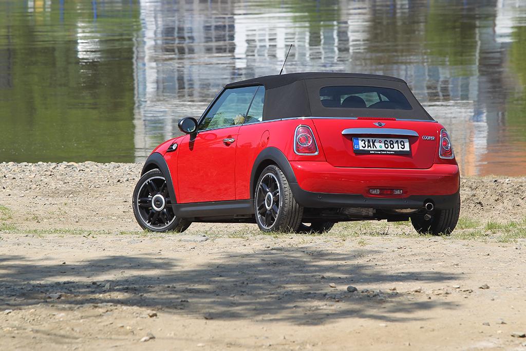 Automobily Mini Cooper Cabrio