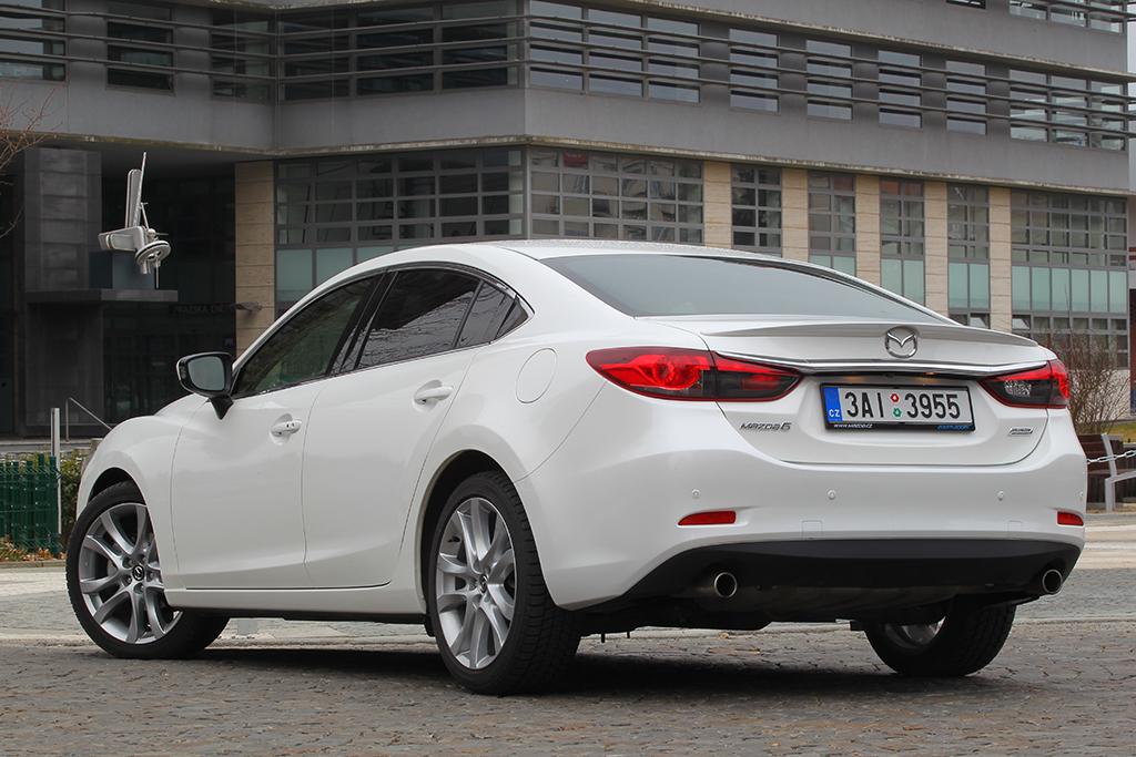 Automobily Mazda 6 2.5 L Revolution