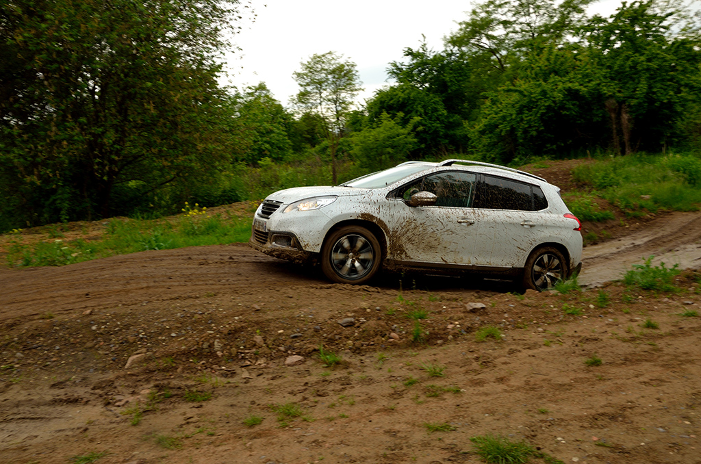 Automobily Peugeot 2008 - jízdní dojmy