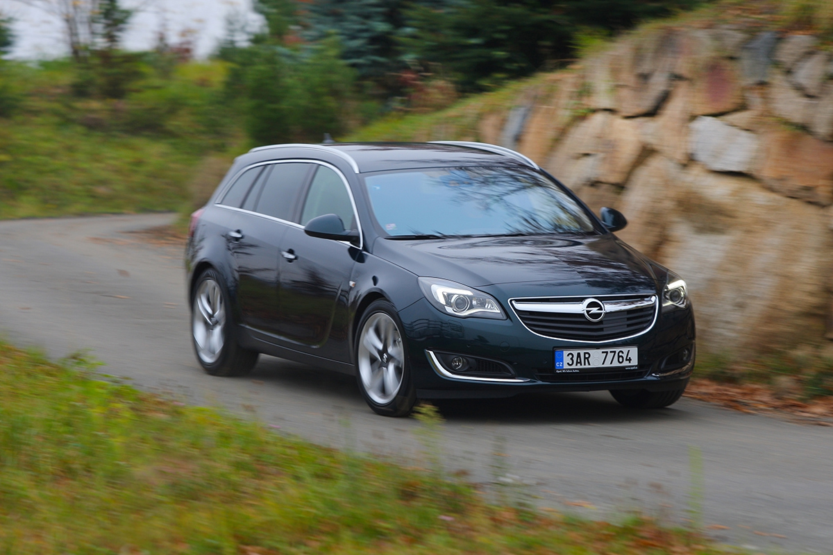 opel insignia st 2 0 cdti biturbo cosmo o pel mel autohit. Black Bedroom Furniture Sets. Home Design Ideas