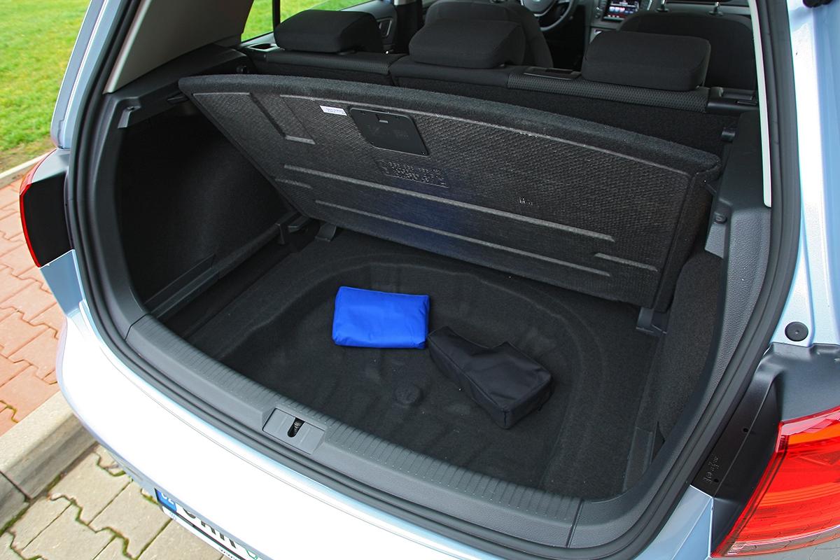 Rekordní zavazadelník sice golf nemá, ale pro běžné využití zcela postačí.