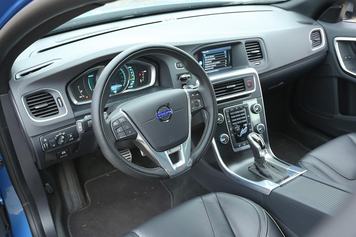 Digitální přístrojová deska, známá zmodelu V40, je asi největší novinkou loňského faceliftu.