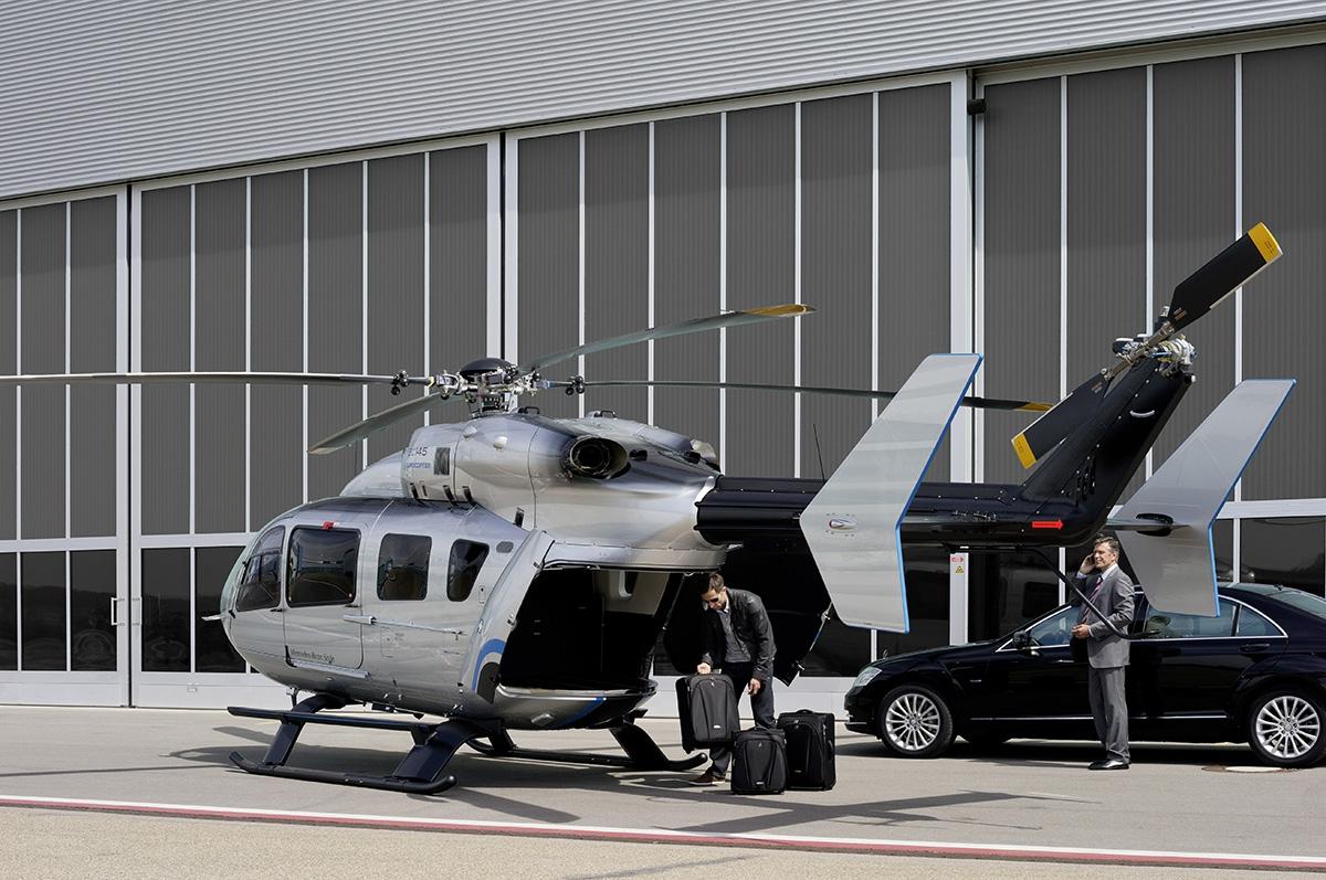 Eurocopter EC145 Mercedes–Benz Style má dostup 5240m adolet 680km. Luxusní kabina pojme osm cestujících.