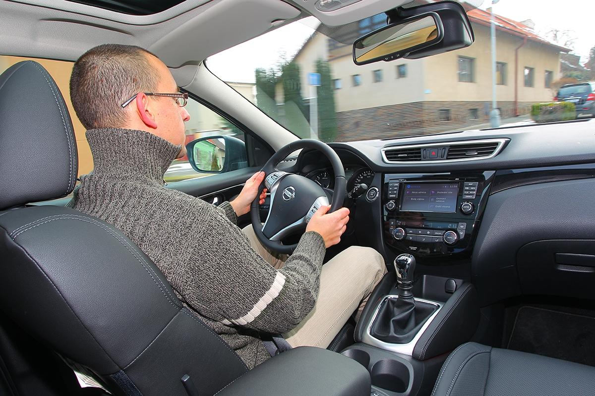 Nové řízení je přesné adocela icitlivé, řidič si podle vkusu může nastavit dvě úrovně účinku elektrického posilovače.