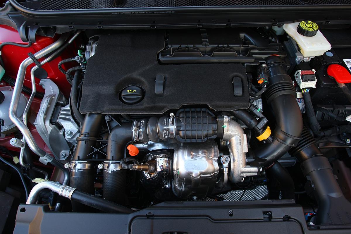 Motor 1.6 HDi spotřeboval během prvních 1800 km 5,6 l/100 km. Na to, že je syrový, super výsledek.