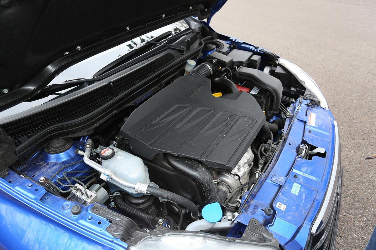 Čtyřválec spalující naftu je pro SX4 rozhodně vhodnější než benzinová verze. Dynamika je pocitově lepší než papírově, ale itak je to takový dostatečný průměr.