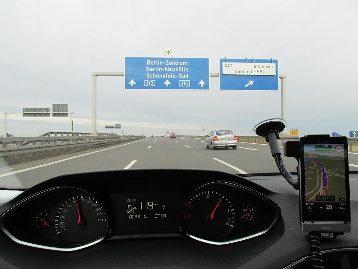 Tempomat se ufrancouzských aut nastavuje už léta stejně. Je součástí výbavy Active.