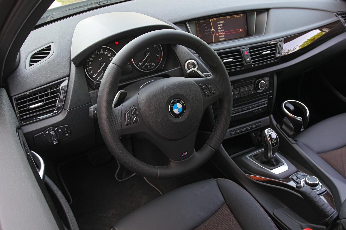 BMW X1 xDrive25d interiér