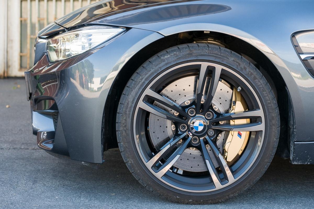 Keramické brzdy pro BMW M3 a M4 jsou k neutahání.