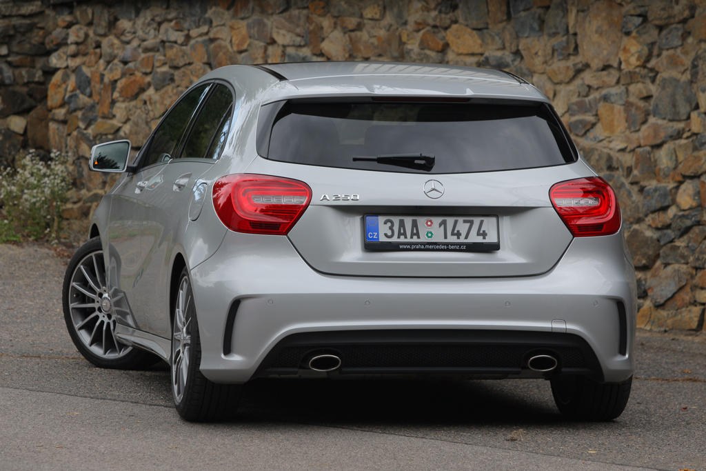 Mercedes benz a 250 sport wow efekt autohit for Benz sport katalog