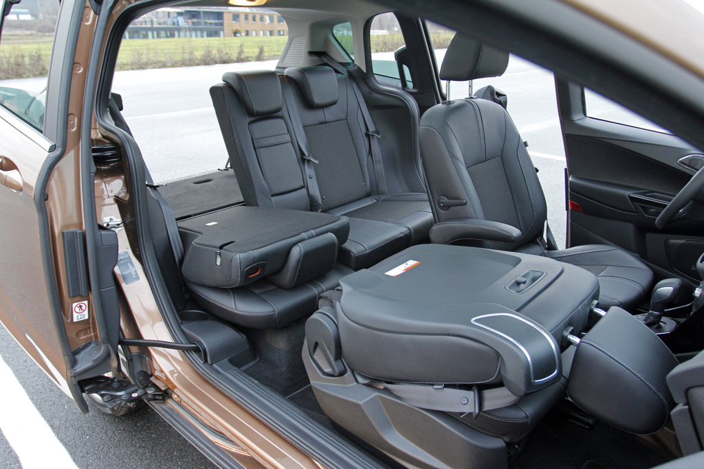 ford b max 1 6 powershift titanium kombo autohit. Black Bedroom Furniture Sets. Home Design Ideas