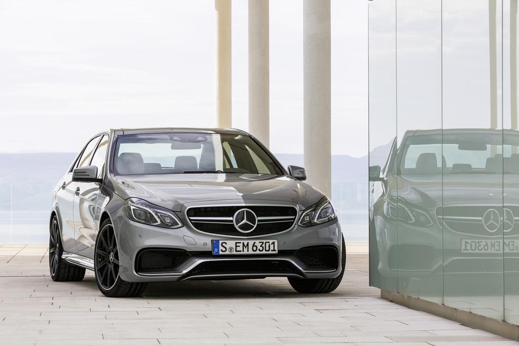 Новые седан Mercedes E63 AMG и у…