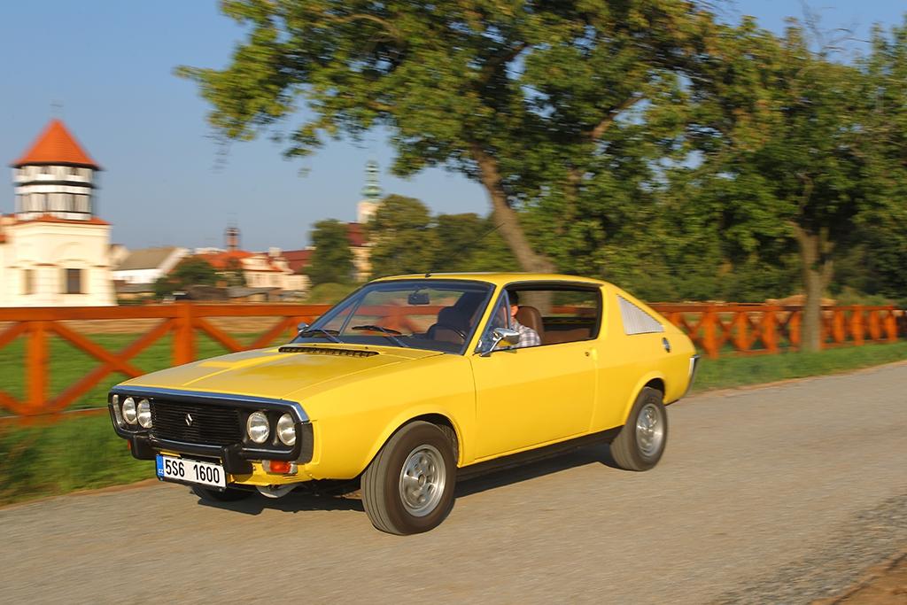 Tento Renault 17 TL prošel velmi rozsáhlou renovací. Na počátku byl téměř vrakem...