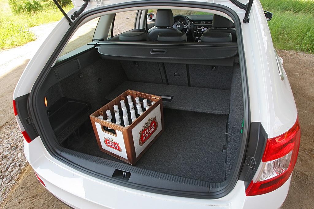 Velikost zavazadelníku pohon všech kol neovlivnil, užitečné zatížení 563 kg je velkorysé.
