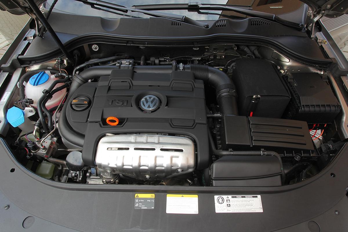 Verze EcoFuel vychází zprovedení 1.4 TSI. Motor je přeplňován kompresorem aturbodmychadlem amá dobrý výkon.