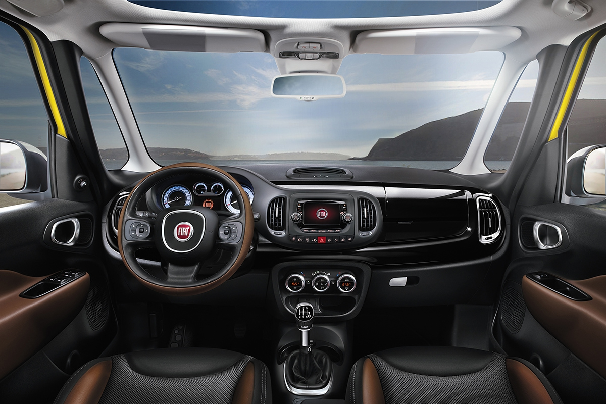 fiat 500l living a trekking pro dal generace autohit. Black Bedroom Furniture Sets. Home Design Ideas