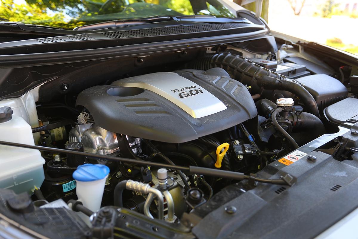 První přeplňovaný benziňák kie jezdí běžně za9 až 10 l/100km.