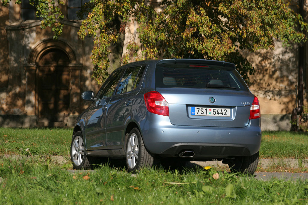 Automobily Škoda Fabia 1.4 16V Styling kit
