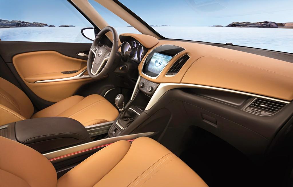 Automobily Opel Zafira Tourer Concept